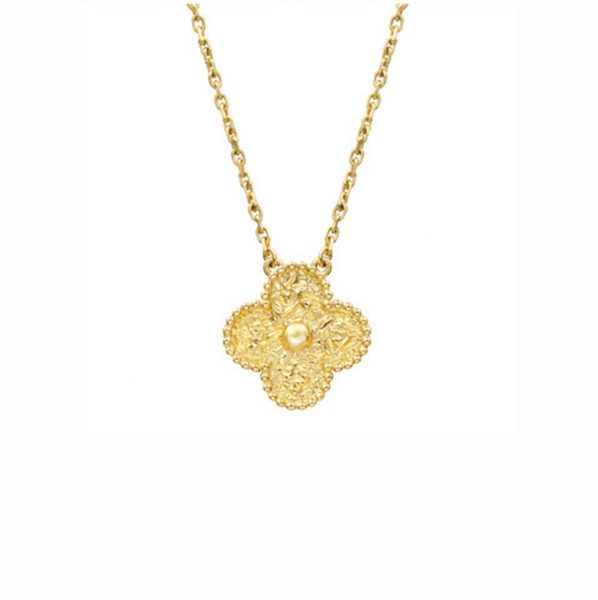 d0f78f3acd1b Van Cleef   Arpels Vintage Alhambra Pendant with 18k Yellow Gold ...